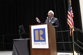 Frank Abagnale at Regulatory Issues Forum, 2019 REALTORS® Conference & Expo