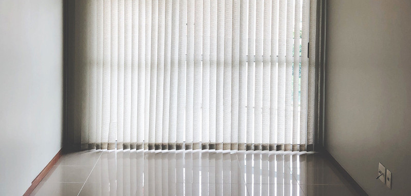 Floor to ceiling length vertical blinds