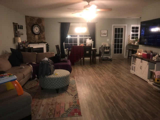 Videostaging Living Room Before