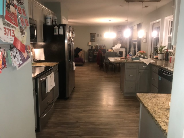 Videostaging Kitchen Before