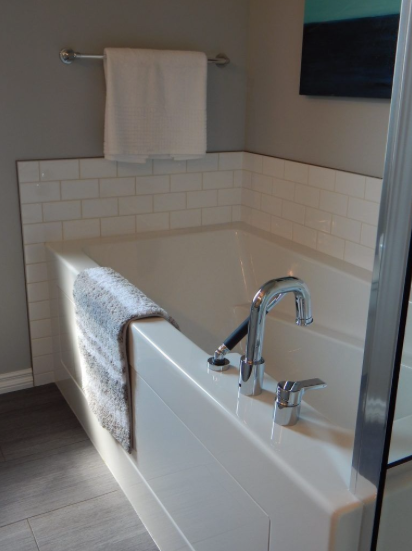 These Bathtubs Tend To Be Heavier Than Acrylic And Fiberglass Bathtubs.  They Are Extremely Durable ...