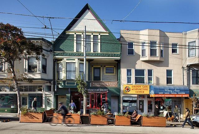 1331 9th Avenue Parklet, San Francisco, CA (Hosted by Arizmendi Bakery)