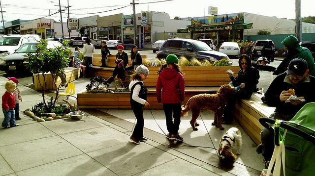 3876 Noriega Street Parklet (Hosted by Devil's Teeth Baking Company)