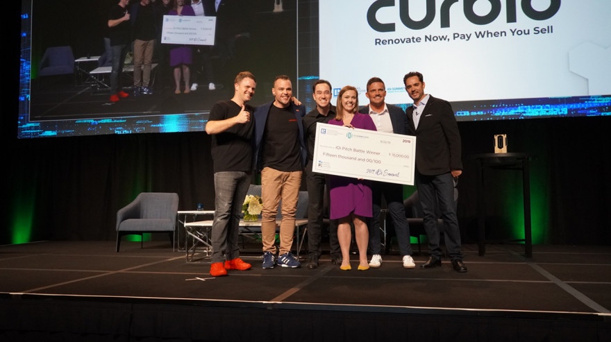2019 iOi pitch battle winner Curbio team with big check