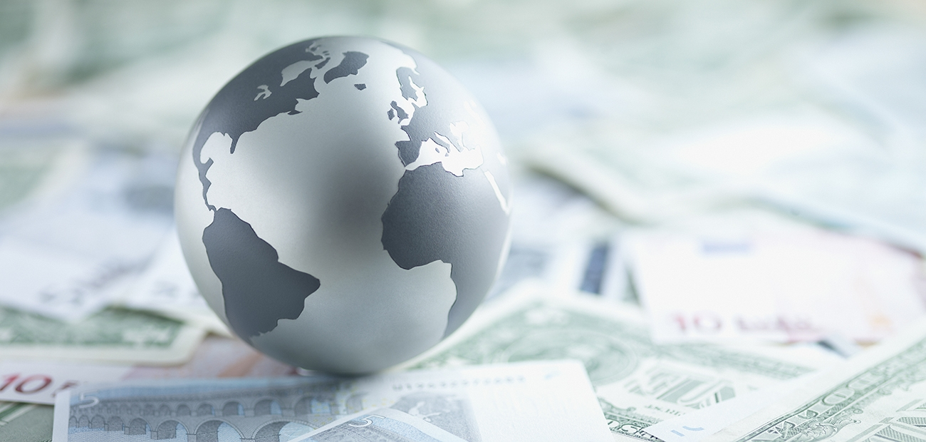 globe on currencies