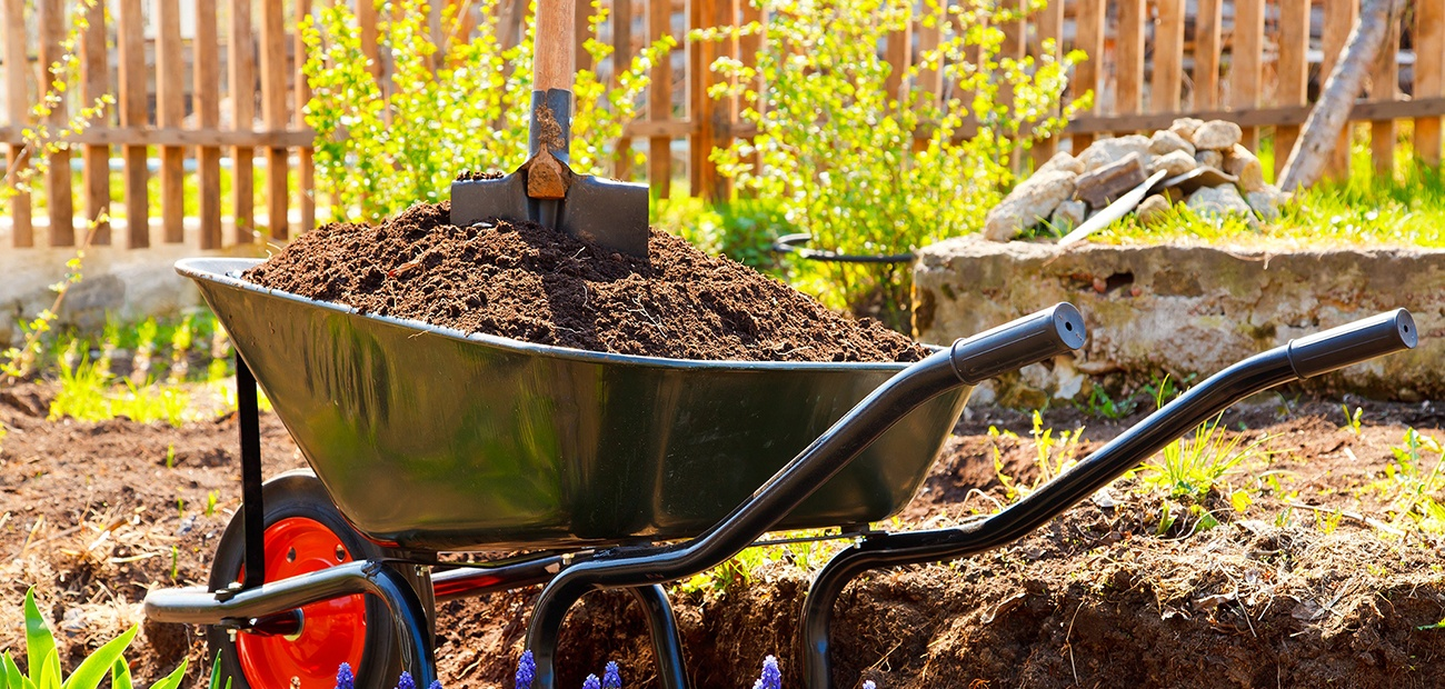 Landscaping Projects Anyone Can Tackle | www.nar.realtor